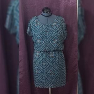 Printed City Traingle dress v neck on back size L